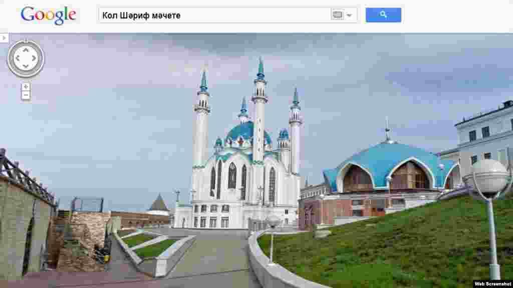 Татарстан. Старинная мечеть в центре Казани.