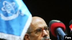 Halkara Atom Energiýa Agentliginiň başlygy Muhammet el Baradei Tährandaky metbugat konferensiýasynda, 4-nji oktýabr, 2009 ý.
