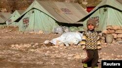 طفل في مخيم لنازحين أيزيديين في شيخان