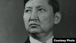 Көрүнүктүү мамлекеттик, саясий ишмер Исхак Раззаков.
