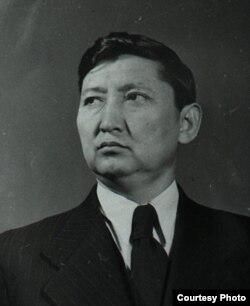 Исхак Раззаков.