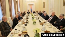 Armenia - President Serzh Sarkisian meets with a group of intellectuals and artists in Yerevan, 16Jan2018.