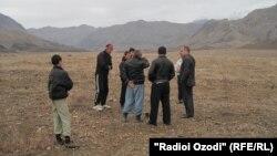 Кыргыз-тажик чегиндеги талаштуу делген аймактардын бири. (Баткен-Исфара райондору чектешкен жер)