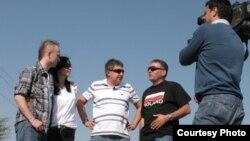 ლევან გულიაშვილი პოლონელ ჟურნალისტებთან ერთად კონფლიქტის ზონაში (მარჯვნიდან მეორე). 2008 წელი
