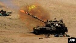 تانک اسرائیلی به سوی نوار غزه شلیک می کند