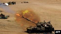 Израилдин Газага ок атып жаткан танкы. 24-июль, 2014-жыл.