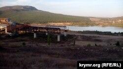 Виробничий майданчик Балаклавського рудоуправління біля гори Гасфорта