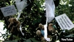 Hundreds of toy bears bearing pro-democracy messages were parachuted into Minsk by a Swedish PR firm.