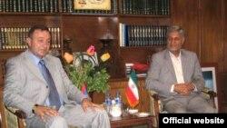Աշոտ Ղահրամանյան (ձախից) եւ Ռահիմ Քորբանի, Ուրմիա, 25 հուլիսի, 2009