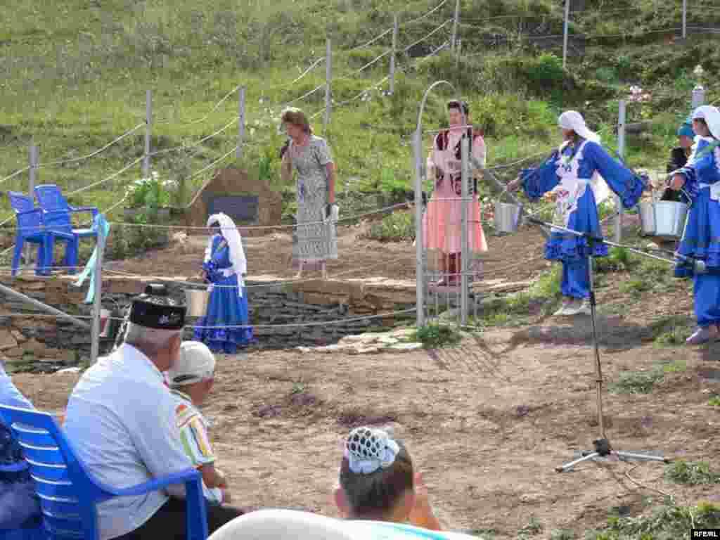 Теләчә районы Алан авылында Ялан тау чишмәсен төзекләндереп ачу бәйрәме