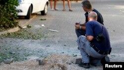 یک از سخنگویان ارتش اسرائیل گفت که سه موشکی که از لبنان پرتاب شده بودند به منطقهای غیر مسکونی اصابت کردند و سامانه گنبد آهنین موفق شد یک موشک دیگر را منهدم کند