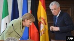 آنگلا مرکل صدر اعظم آلمان و ماریو مونتی نخستوزیر ایتالیا در جریان نشست چهار کشور عمده حوزه یورو در رم/ ۲۲ ژوئن ۲۰۱۲