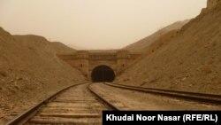کوږک تونل