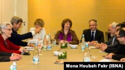 جانب من المفاوضات التي جرت في جنيف حول الملف النووي الايراني