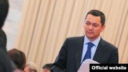 Омурбек Банов -номзад ба мақоми президентӣ дар интихоботи Қирғизистон