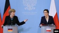 Kancelarja gjermane, Angela Merkel, në konferencë së bashku me kryeministren polake, Ewa Kopacz