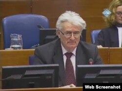 Radovan Karadžić na suđenju u Hagu, 21. veljače 2012.
