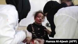 Жертва обстрелов одного из пригородов Дамаска, 6 января 2018