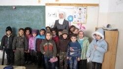 Урдун - Нохчийн а, Iаьрбийн а бераш ду Заркъерчу Салахь Iалавдин школехь шайн нохчийн хьехархочуьнца, 2011