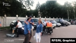 «Схеми» фіксували, як Максим Микитась та столичний голова Віталій Кличко разом повертались з Італії одним приватним літаком