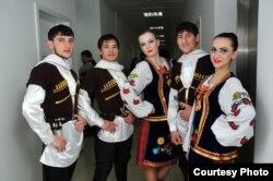 Ансамбль, в котором танцевал Халимов в Казахстане