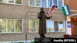 Стәрлебаш авылында мәгърифәтче Мөхәммәтшакир Тукаевка һәйкәл ачылды. Ул район үзәгенең китапханәсендә урнашкан.
