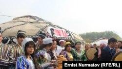 26-октябрда өзбек делегациясын Ошто чоң сый менен тосуп алышкан