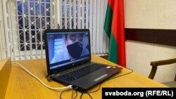 Журналіст Максім Лаўрэцкі сьведчыць у судзе 18 лістапада