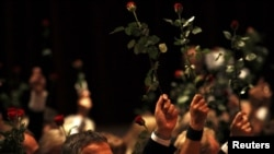 Премьер-министр Норвегии Йенс Столтенберг на церемонии памяти, организованной норвежской Рабочей партией
