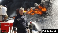Голова ДСНС Микола Чечоткін на місці пожежі під Києвом, 10 червня 2015 року