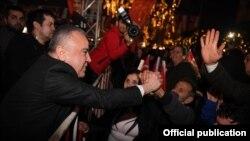 Черкес Мухиттин Бёчек в окружении сторонников