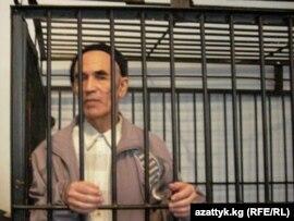 Правозащитник Азимжан Аскаров на скамье подсудимых. Ноокен, Кыргызстан, 10 ноября 2010года.