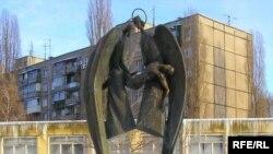 Пам'ятник жертвам трагедії.