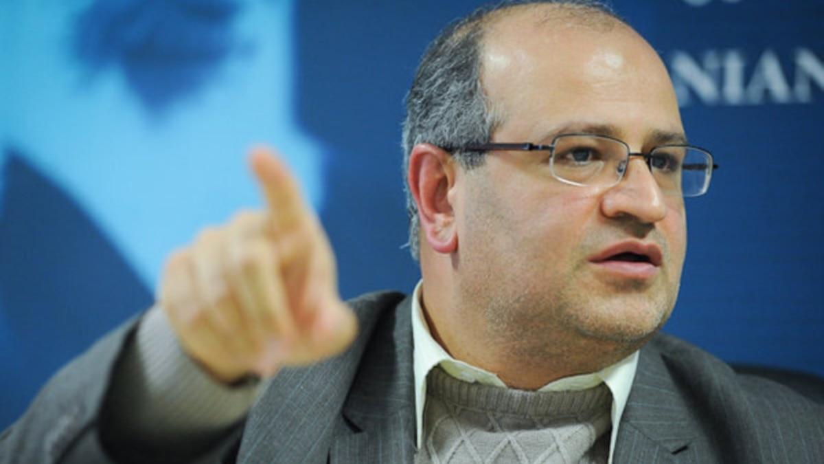 مسئول ارشد مقابله با کرونا در تهران: شعار ندهید، پرچم افتخار بالا نبرید