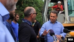 Nikola Gruevski posetio meštane Sinđelića