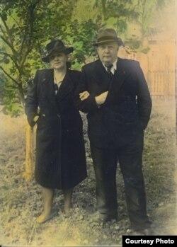 Надежда Бурлюк и Антон Безваль. Москва, 1950
