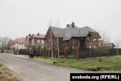 Новыя кварталы ў Лапаравічах