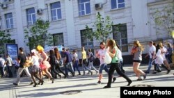 Russia -- Walking in Samara, 16May2012