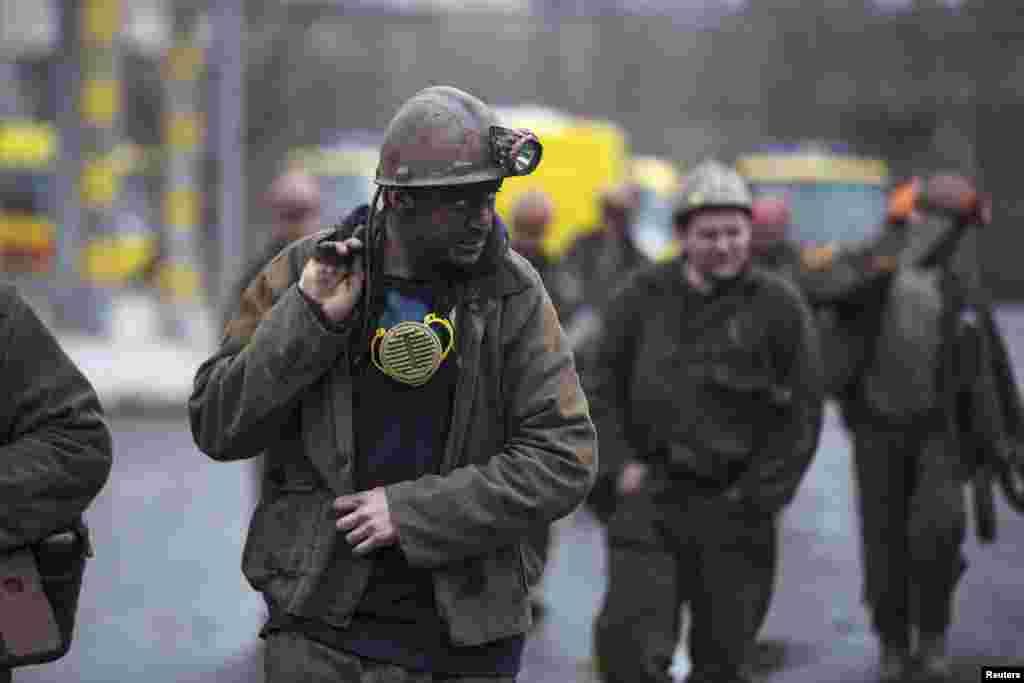 За последние 16 лет на шахте произошло не менее семи крупных аварий с десятками погибших и пострадавших