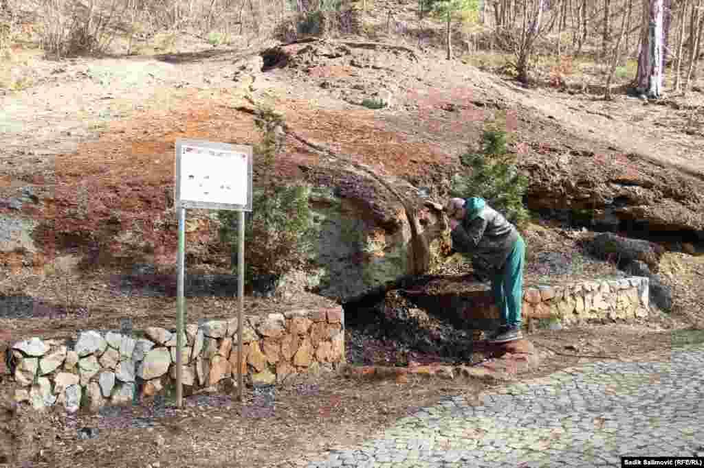 Na nadmorskoj visini od 640 metara nalazi se izvor očne vode