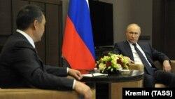 Встреча Садыра Жпарова и Владимира Путина 24 мая 2021 года в Сочи (Россия).