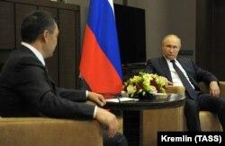 Putin bilen Žaparowyň duşuşygy. Soçi, 2021-nji ýylyň 24-nji maýy.