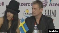 Loreen слушает вопрос корреспондента Reuters после второго полуфинала Eurovision, 24May2012