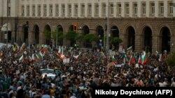 Mii de bulgari au ieșit luni în stradă pentru a cincea zi consecutivă