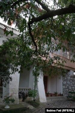 În grădina casei lui Cehov de la Ialta