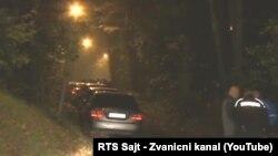 Policija u naselju Jajinci, u blizini porodične kuće premijera Vučića