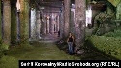 Фотогалерея: розкопки під Поштовою площею у Києві