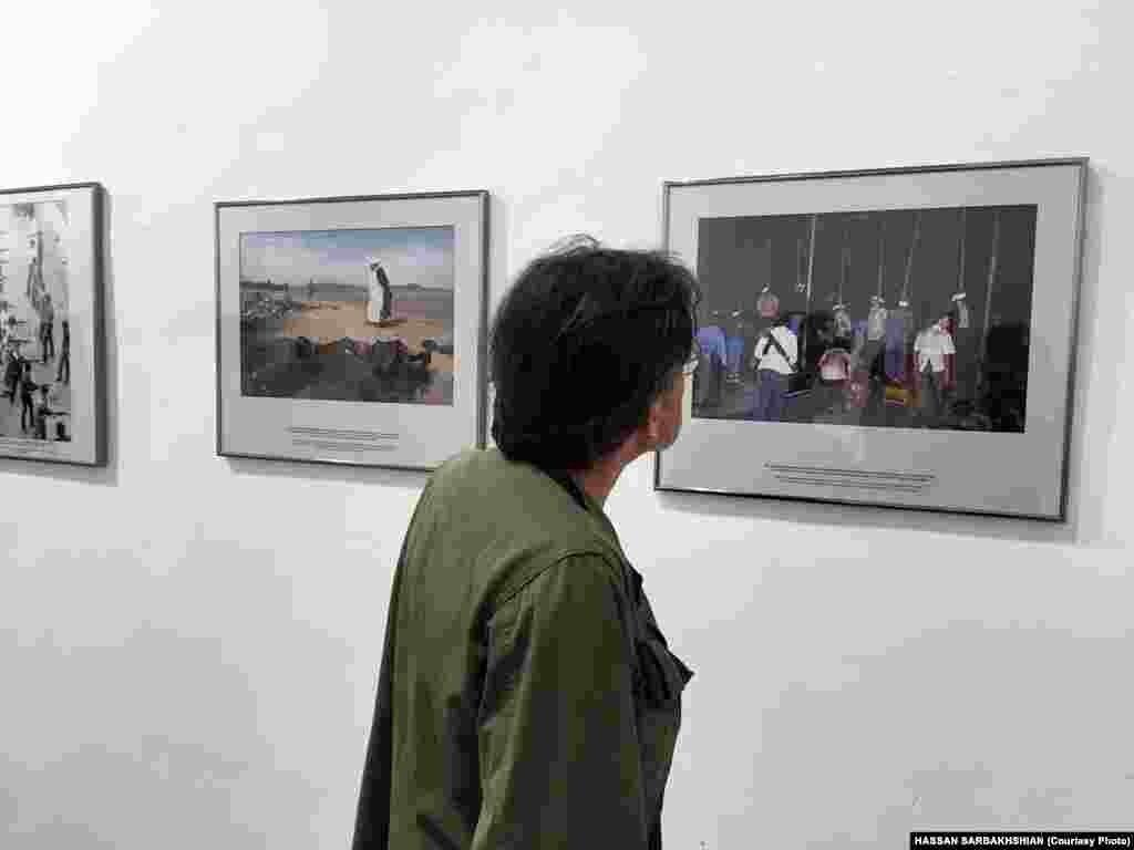 نمایی از نمایشگاه عکسهای منوچهر دقتی