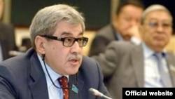 Гани Касымов в бытность депутатом сената парламента Казахстана.