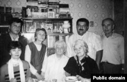 Александров в кругу семьи и друзей